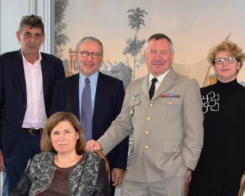 Nadia SOLLOGOUB aux côtés du Général Gilles LILLO, le 8 avril 2019 lors de sa visite à Nevers en présence de la Préfète de la Nièvre Sylvie HOUSPIC et des autres élus nivernais