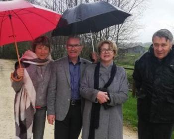 Nadia SOLLOGOUB entourée notamment du maire et de l'adjoint de Champvert lors de sa visite de la commune le mardi 16 avril 2019