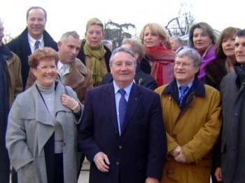 photo de groupe dont Simone Rignault et Jean-Pierre Soisson