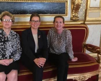 Nadia SOLLOGOUB et Marta de CIDRAC accueillant Laure MEUNIER au Sénat le mardi 28 mai 2019