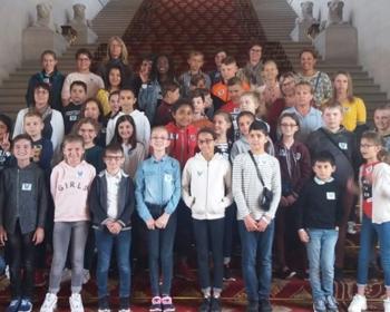 Les élèves de l'école de Garchizy accueillis au Sénat par Nadia SOLLOGOUB le vendredi 7 juin 2019