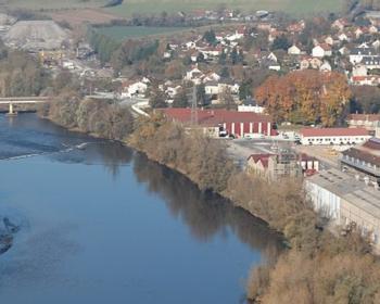 Photo aérienne d'Imphy et de son site industriel