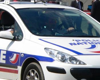 Photographie d'une voiture de police