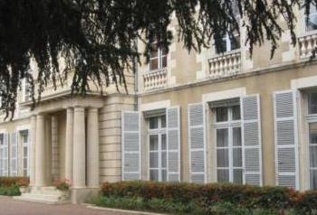 Façade côté Parc de la Préfecture de la Nièvre